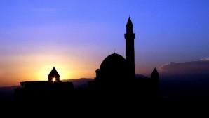 Hangi Yama Gün/ahların Dikiş Urgânıyla İşlenir?