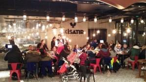 İzmir'de lezzet ve muhabbetin yeni adresi: İkiSatır